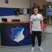 4c812f8f394 20-04-2018 · Ο 17χρονος που από την ΑΠΕ Λαγκαδά θα δοκιμαστεί στην  Χόφενχαϊμ Ο 17χρονος μεσοεπιθετικός της ΑΠΕ Λαγκαδά, Μιχάλης Ζαννάκης που  ξεχώρισε στο ...